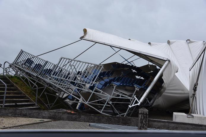 Veel schade op het terrein van CSI Twente in Geesteren.