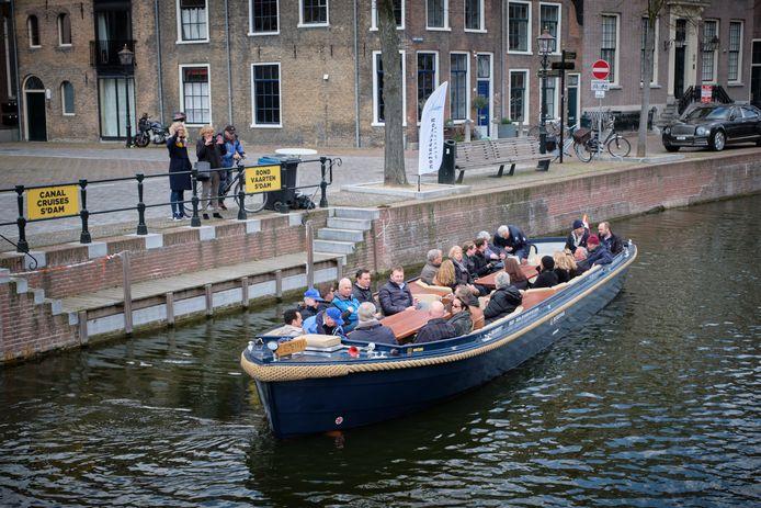 De fluisterboot is een populaire attractie in Schiedam.