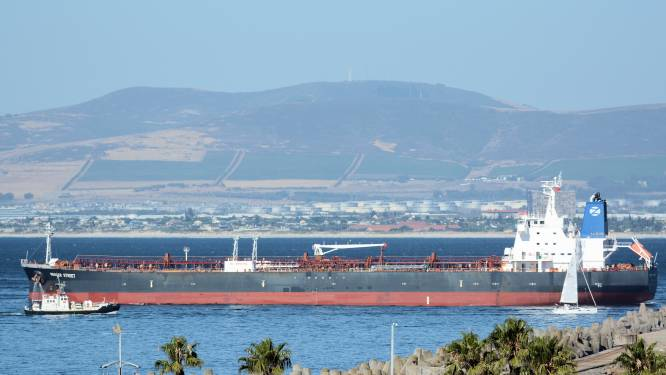 """Iran ontkent betrokkenheid bij aanval op olietanker, VS dreigt met """"passend antwoord"""""""