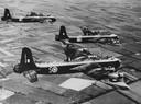 De Short Stirling (vernoemd naar Schotse plaats Stirling) is een Britse bommenwerper gebouwd door de Short Brothers. Het  was de eerste viermotorige bommenwerper die de RAF in gebruik nam. Het vliegtuig werd gebouwd van 1939 tot 1943. In totaal werden er 2383 exemplaren gebouwd.