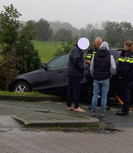 Hulpdiensten rukken uit voor 'auto te water' in Woudenberg