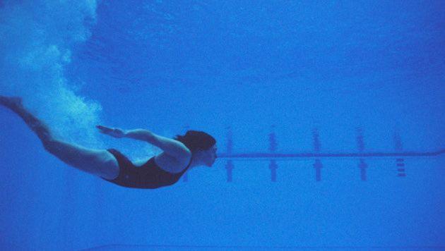 Openbare zwembaden worden drie keer per dag gecontroleerd, vertelt Marjolein Van Poppel.