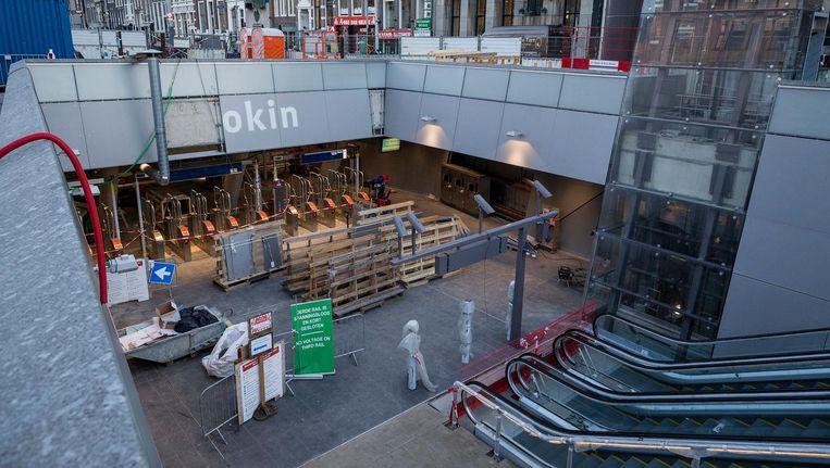 Al in 1996 bogen architecten zich over het station, omdat dit model moest staan voor de rest van de Noord/Zuidlijn Beeld Rink Hof