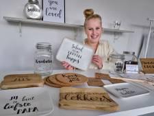 Door haar sierlijke handschrift begon Elise (20) haar eigen bedrijf