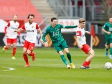 LIVE | Feyenoord met vijfmansdefensie krijgt eerste kans tegen in Utrecht