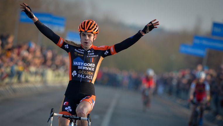 Het seizoen van Wout van Aert was er eentje met veel hoogtepunten, Eeklo vandaag komt in het rijtje met mooie zeges. Beeld BELGA