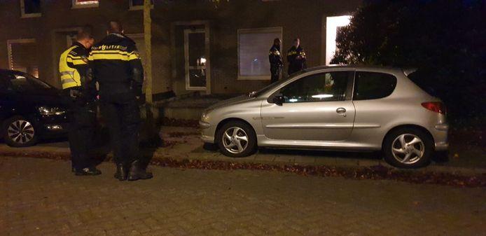 In een woning aan de Arhusstraat in Hengelo is een overleden persoon aangetroffen.