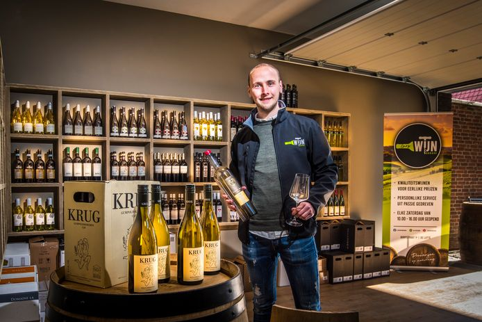 Met de opening van een wijngarage in hartje De Lutte gaat komende zaterdag een droom in vervulling voor Lars Roord.