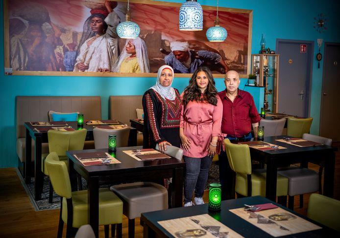 Aly Mourad, zijn vrouw Randa Eltery en Sarah Mourad van Egyptisch restaurant Habibi in Rotterdam.