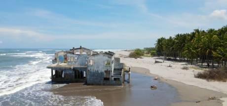 Une mystérieuse maison apparaît sur une plage du Salvador