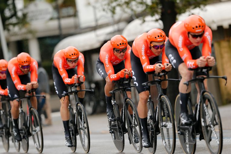 Het CCC-team, met Van Avermaet in derde positie.