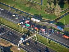 Ooggetuige dodelijke crash A2: 'Hij reed recht op ons af, tegen de richting in...ineens was er een keiharde klap'
