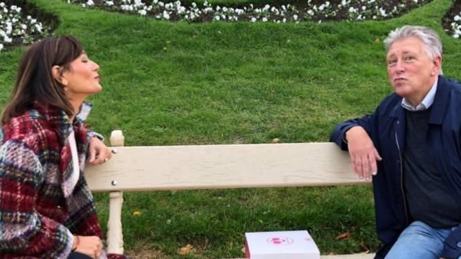 Birgit Van Mol zet jarige Dany Verstraeten in de bloemetjes