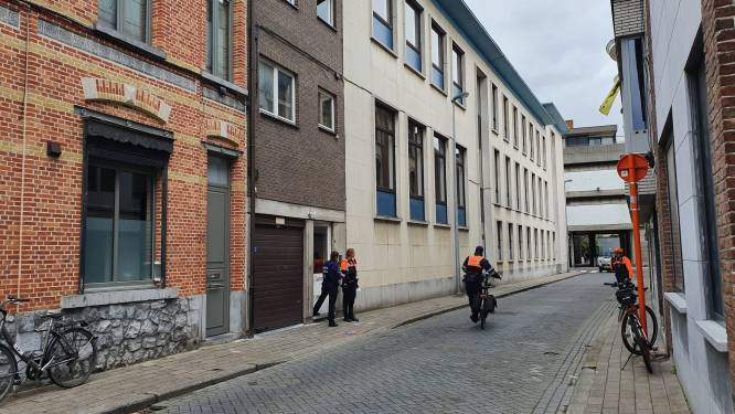Twee gewonden bij steekpartij in appartement, vier personen gearresteerd voor verhoor