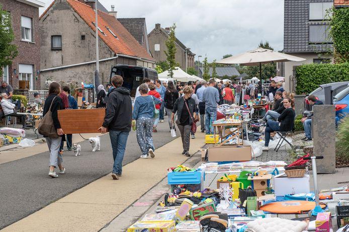 De Zingemse rommelmarkt is de grootste in de streek.