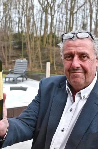 Mysterie opgelost: Lichterveldse immomakelaar Lieven blijkt afzender van 33 jaar oude boodschap in een fles