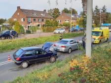 Gewonde door botsing tussen twee auto's in Wageningen