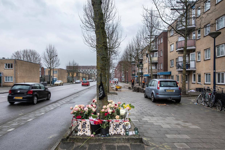 Donderdag werd de 22-jarige Shana Leurs hier op de fiets geschept door een auto. Beeld Dingena Mol