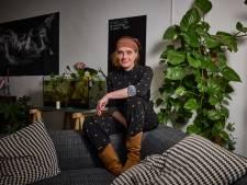 Stadsdichter Anne Vegter: 'Mijn boeken zijn mijn diploma's, want die ontbreken'