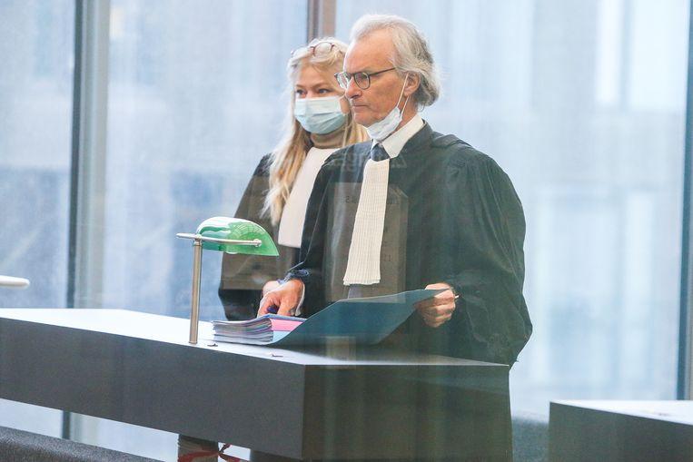 Hans Rieder vertegenwoordigt Jeff Hoeyberghs voor de correctionele rechtbank.   Beeld Photo News