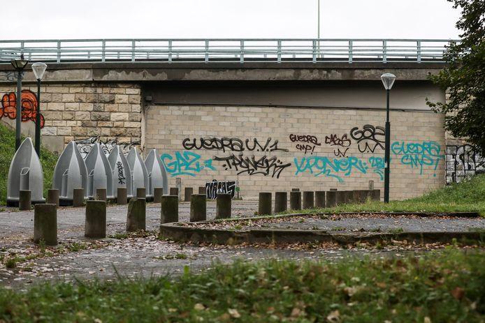 Illustration du mur anti-toxicomanes qui bouche un tunnel pour empêcher les allers et venues des drogués (Crack) de Paris jusqu'en Seine Saint-Denis le 27 septembre 2021.