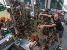 """Quand son travail d'architecte lui sert dans sa passion: """"avec Playmobil je peux me défouler"""""""