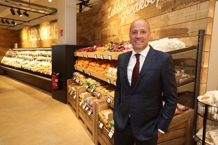 CEO Frits van Eerd in het eerste Belgische filiaal van de supermarktketen Jumbo.