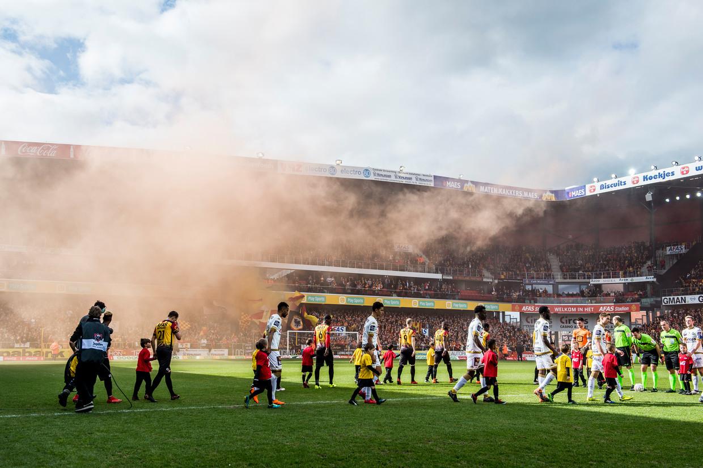 KV Mechelen en Waasland-Beveren stonden in maart vorig jaar tegenover elkaar. Beeld BELGA