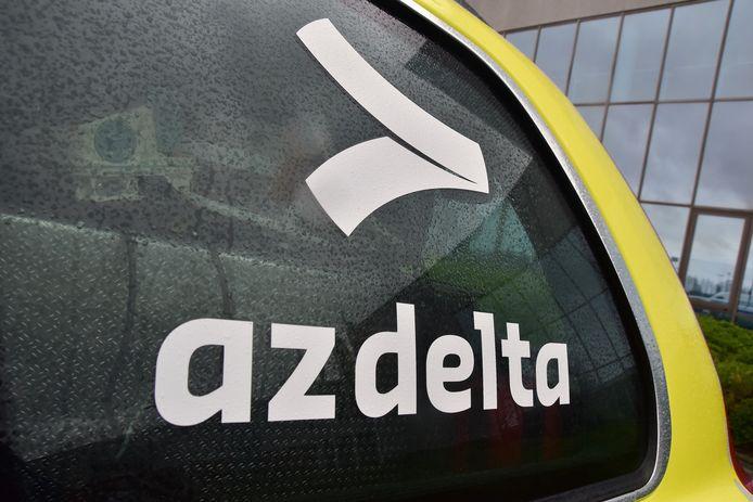 De motorrijder werd na verzorging naar ziekenhuis AZ Delta in Rumbeke gebracht.