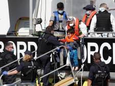 Groot-Brittannië gaat vluchtelingen op zee terugsturen