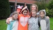 Sint-Theresia doet mee met Bednet-actie: honderden onesies en pyjama's op de speelplaats