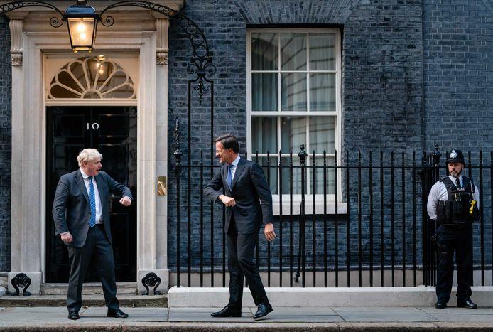 Demissionair premier Mark Rutte voorafgaand aan een ontmoeting met de Britse premier Boris Johnson.