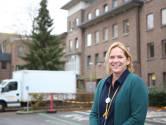 """""""Zelfs de afvalcontainers moeten 72 uur in quarantaine"""": een dag op stap in RZ Heilig Hart Tienen met diensthoofd Ann Eyletten"""