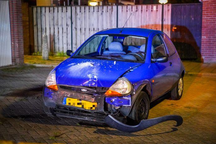 Een automobilist is zondagavond een schuurtje binnengereden aan de Jeruzalemlaan in Eindhoven.