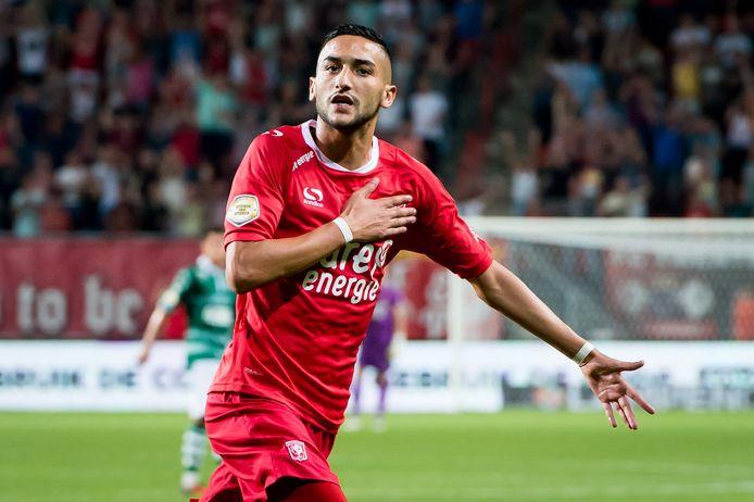 Hakim Ziyech was twee seizoenen lang vrijwel wekelijks de uitblinker bij FC Twente, maar bij de club was vooral bezig om te blijven voortbestaan.
