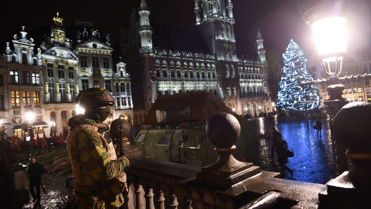 Militairen op de Brusselse Grote Markt. Beeld ANP