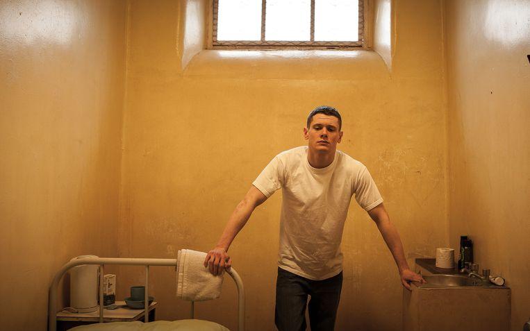 Eén bonk griezelige agressie en onbenaderbaar lijkt de 19-jarige Eric Love (Jack O'Connell) in Starred Up. Beeld Cinemien