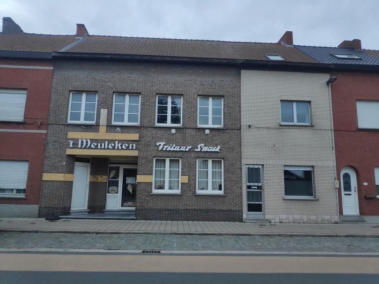De overval vond plaats in frituur 't Meuleken in de Gentstraat.