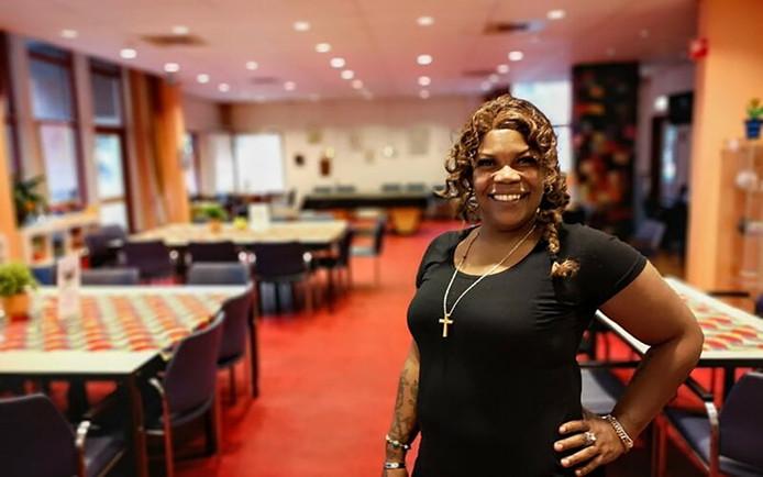 Vrijwiligster Danique werkt met veel plezier in de Jessehof. ,,Het is een ontmoetingsplek voor iedereen.''