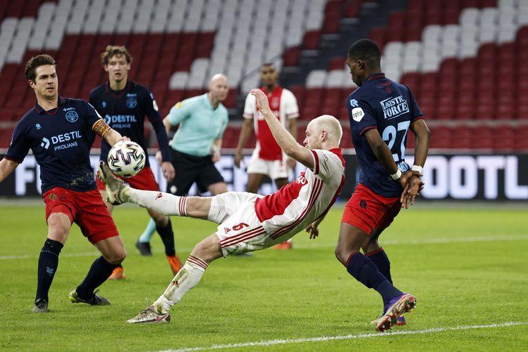 Davy Klaassen scoort de 1-0. Beeld ANP