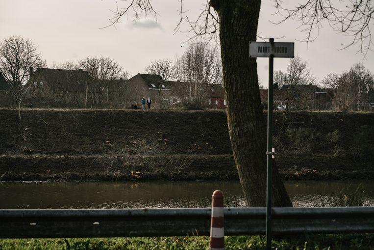 In Beernem werd zo'n twee kilometer aan groen omgekapt, tot ongenoegen van heel wat buurtbewoners.  Beeld Wouter Van Vooren