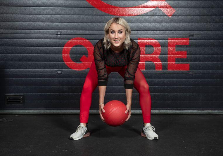Kat Kerkhofs bundelt de trainingsplannen van haar sportschool Qore in het boek 'Body Goals'.