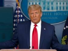 Trump donne une étrange conférence de presse de 60 secondes