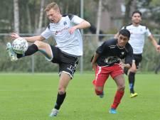 Mark van Agteren blijft ondanks interesse van andere clubs trouw aan Wieldrecht: 'Alles moet kloppen'