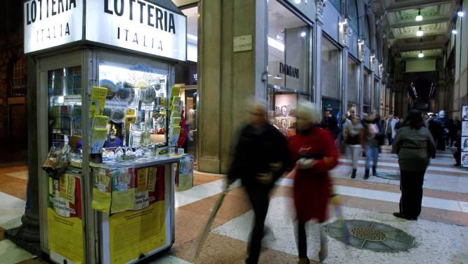 Winkelier loopt tegen de lamp nadat hij van klant kraslot ter waarde van 500.000 euro gestolen had