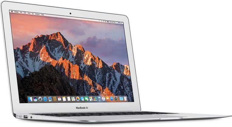En Applegebruikers blijven zweren bij deze 2017-uitvoering van de MacBook Air. Beeld Apple