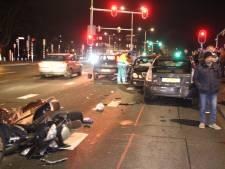 Opgefokte Bulgaar rijdt met zijn Mercedes in op scooterrijder na verkeersruzie: 'Zijn zwangere vrouw zat naast hem'