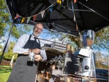 Marcel (51) uit Ede werd barista, 'want koffie verbindt'