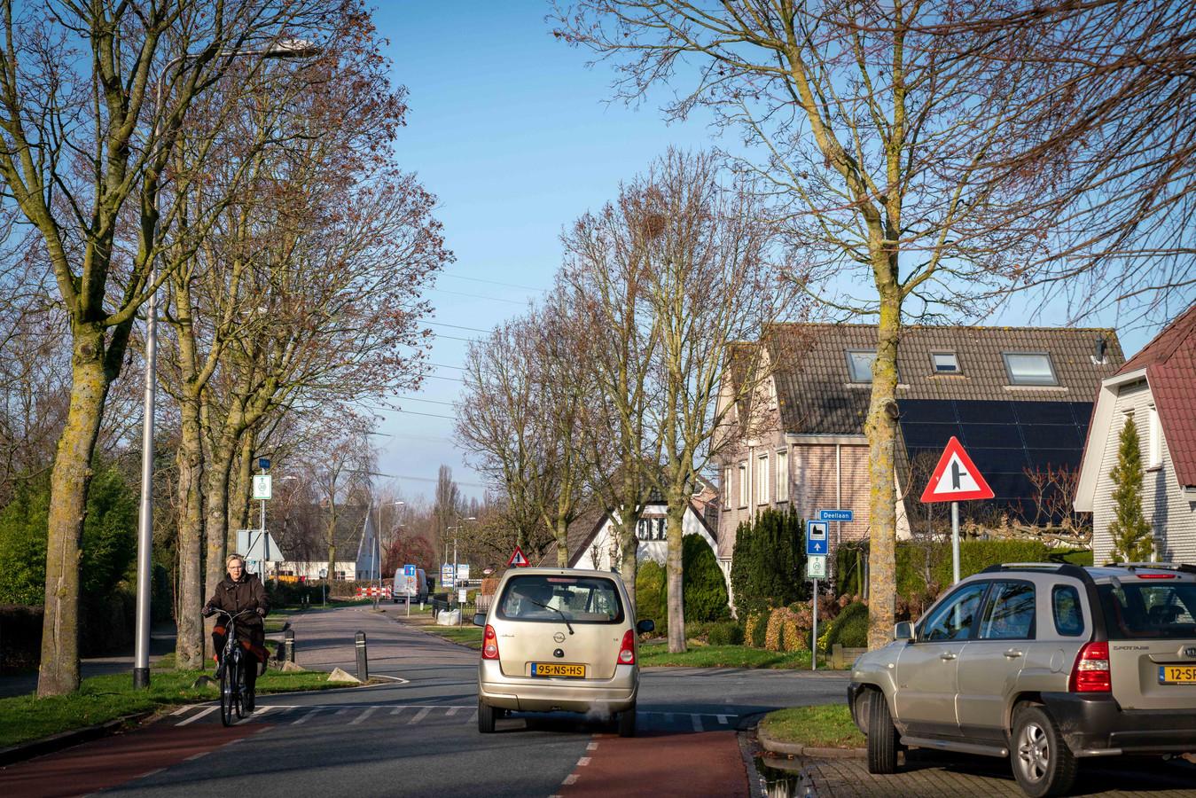 De Plak in Bemmel moet op de schop: klinkers eruit, asfalt met fietssuggestiestroken erin.