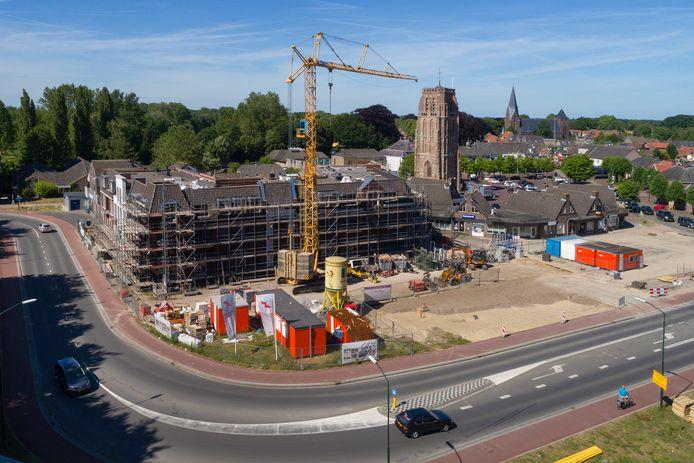 Hier het Dommelsch Huys in aanbouw in Sint-Michielsgestel.
